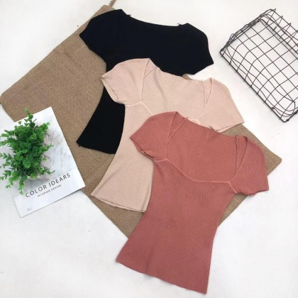 COMFY SQUARE NECK KNITTED TOP