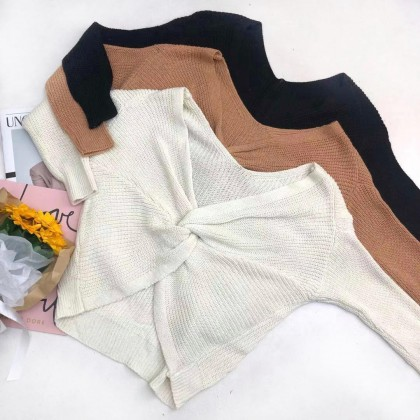 V-NECK AND KNOTTED KNITTED TOP