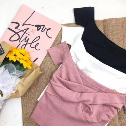 CROSS SQUARE-NECK KNITTED CROP TOP